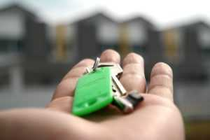 арендатор квартиры не платит что делать