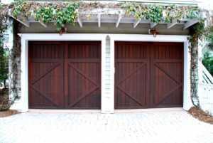 Нужно ли разрешение на строительство гаража на собственном участке