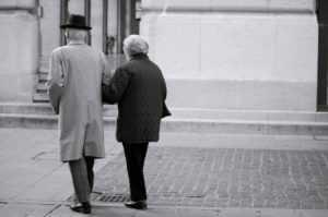 Уход за пожилым человеком как оформить