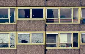 В чем подвох слишком дешевого жилья?